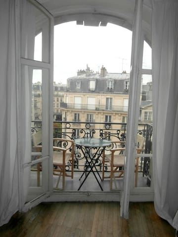CENTRAL:cheap 3 bedrooms+3balconies - Paris - Flat