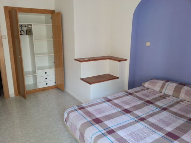 SITGES CENTER ROOM FOR RENT - Sitges - Casa
