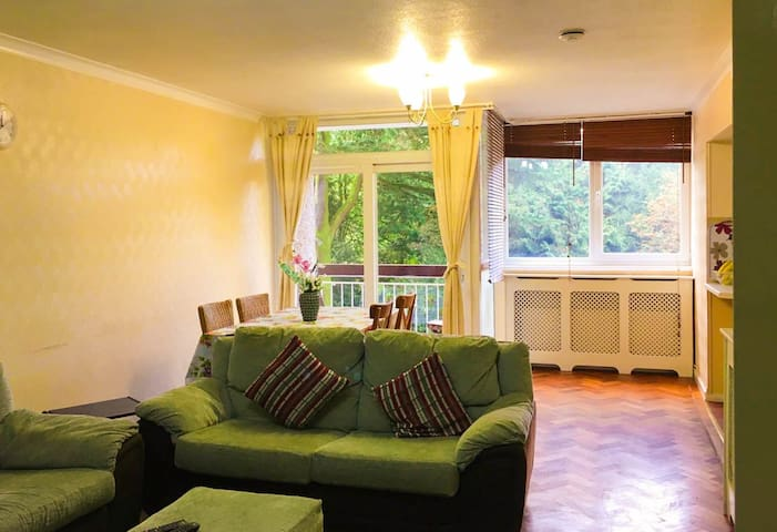 Spacious Double bedroom in Coventry