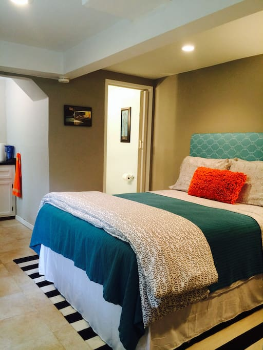 Brand new queen bed, flat screen tv, directv, wifi