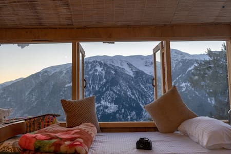 GlampEco Stays Manali's scenic dorm room at 2650 m
