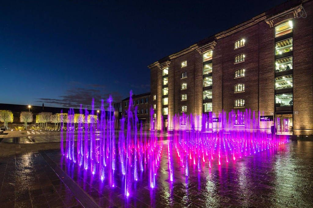 GRANARY SQUARE This is London's newest square and one of the largest of its kind in Europe.