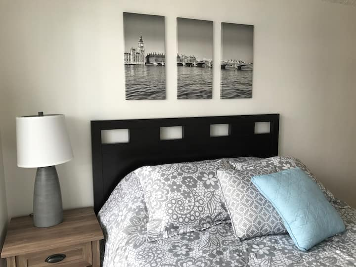 Lovely & Clean Unit | Minutes to Waikiki Beach