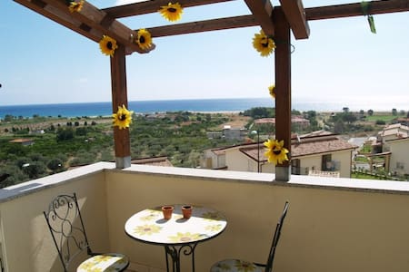 House with view of sea & mountains! - Badolato Marina