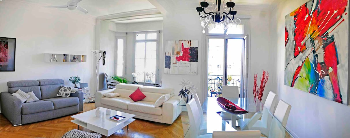Full apartment in a bourgeois building