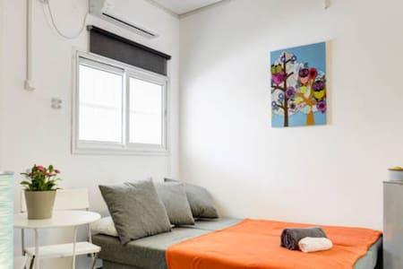 """HA-CARMEL MARKET  NO""""1 APARTMENTS - Tel Aviv-Yafo - Appartamento"""