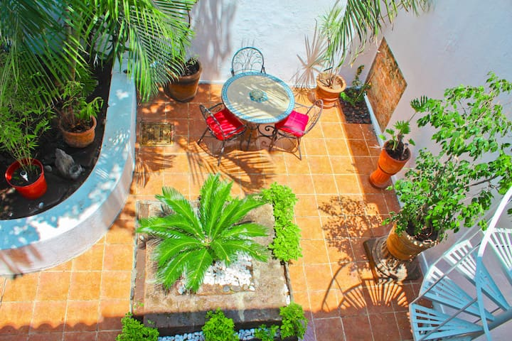 2 Beautiful apartment with  balconies Chapultepec.