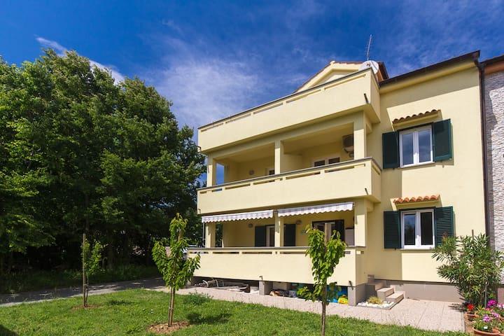 Amazing studio-apartment Ada 2+1 - Baška - Apartament