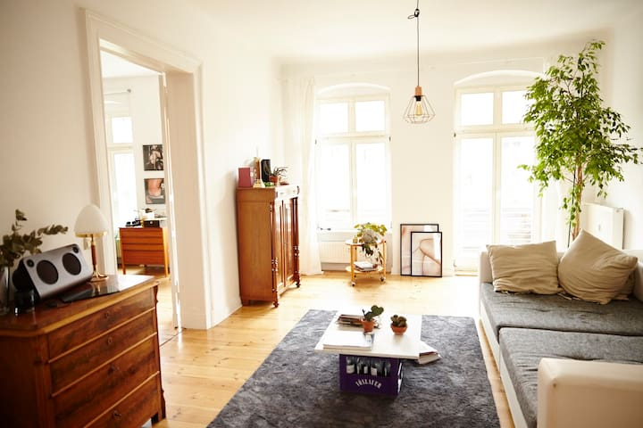 Large apartment in Berlin-Mitte - Berlim - Apartamento