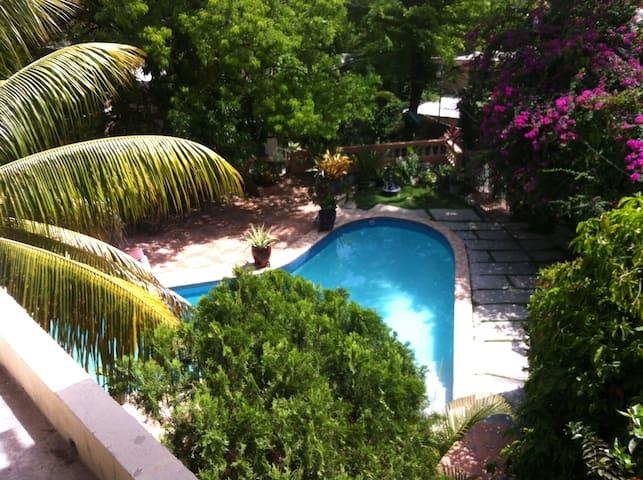Musseau Mirage GuestHouse 3chambres - Port-au-Prince - Lejlighed