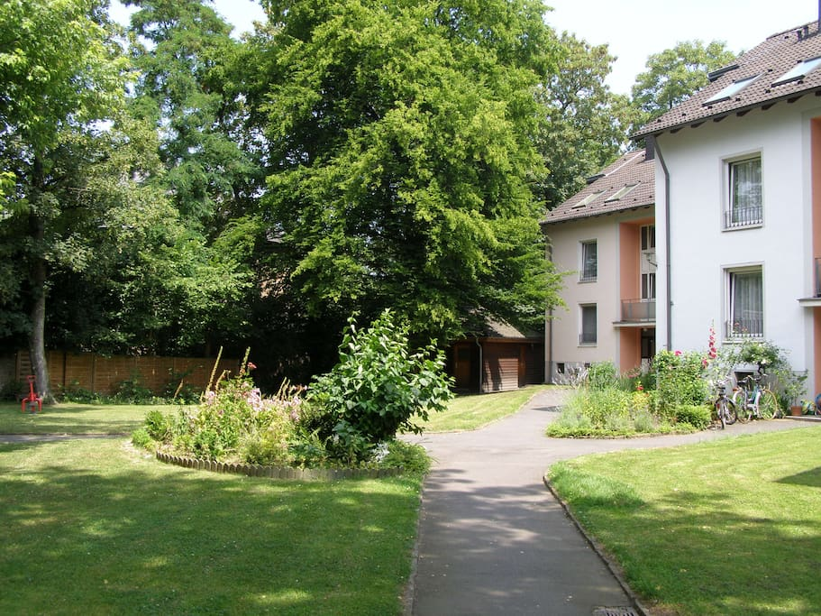 Bright And Charming 2 Rooms Flat Apartments For Rent In Bonn Nordrhein Westfalen Germany