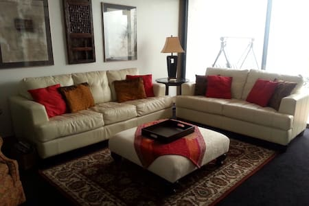 Mid-Cent Mod Condo W.Havn/Fireplace - Winter Haven