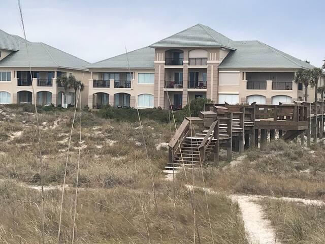NEW 4BR+4B Amelia beach home