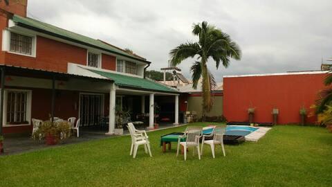 Yerba Buena Tucumán,casa completa