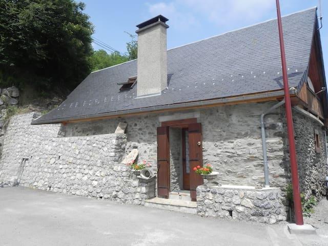 La grange - Gouaux-de-Larboust - Casa