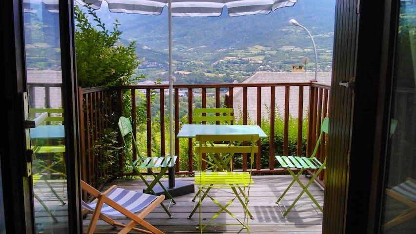 T2 vue sur les montagnes EMBRUN - Embrun - Apartment