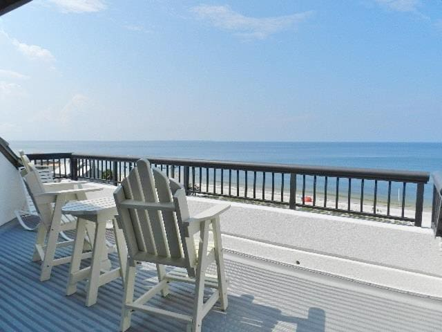 Top Floor Unit, View For Miles, Community Pool, Steps To The Beach ~ Club at Mexico Beach 4C