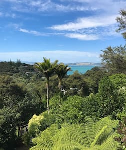 Elevated sea views & birdsong - Auckland - House