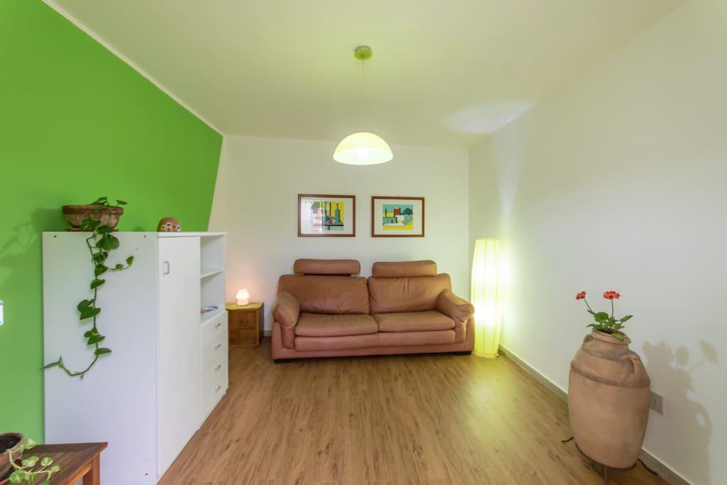 Monolocale arredato mondello appartamenti in affitto a for Affitto bilocale palermo arredato