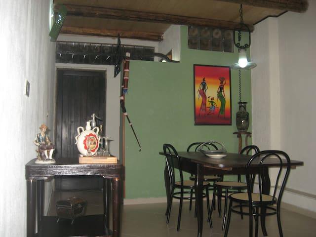 formula B&B, o trilocale con sevizi - San Cipirello - 家庭式旅館