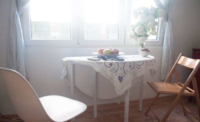 New bright and white home - Beograd - Lägenhet