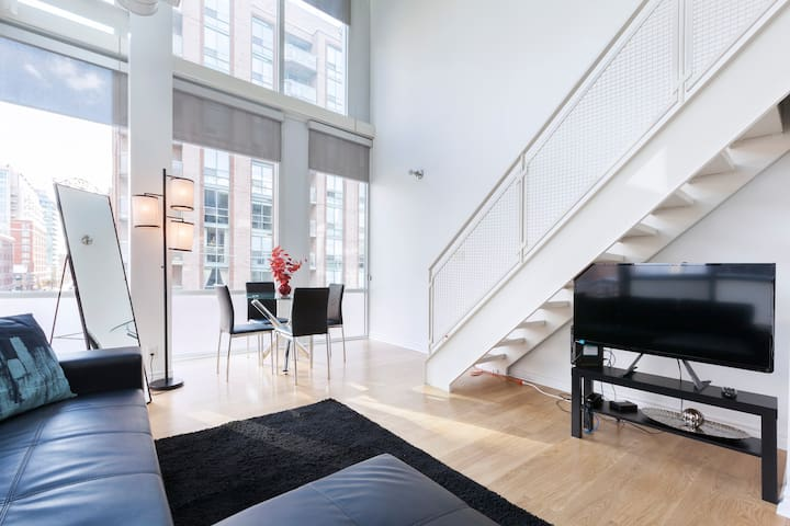 Downtown 2-Level Beautiful Artist Loft