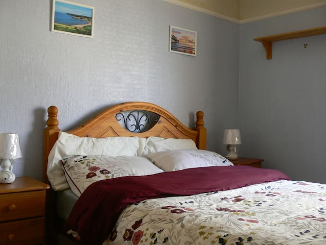 Lovely Double Bedroom, Paignton