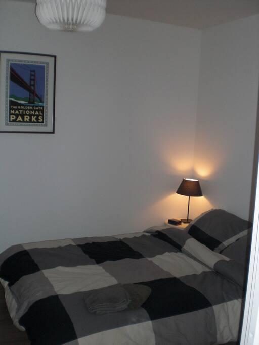 La chambre privée avec petit bureau