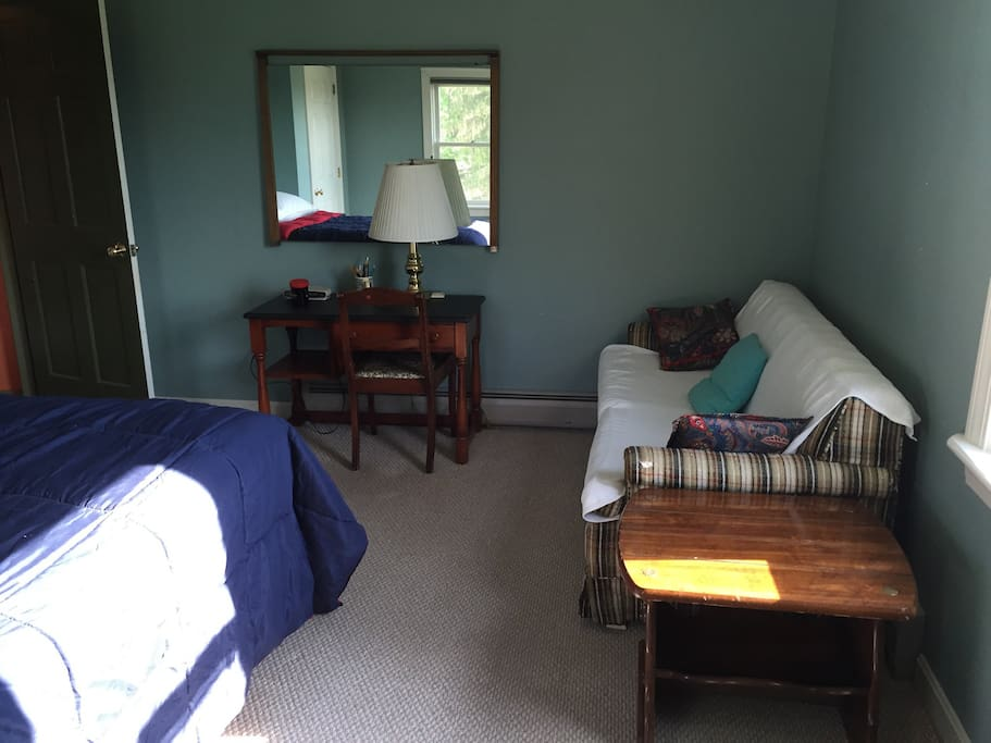 Mountain View bed room