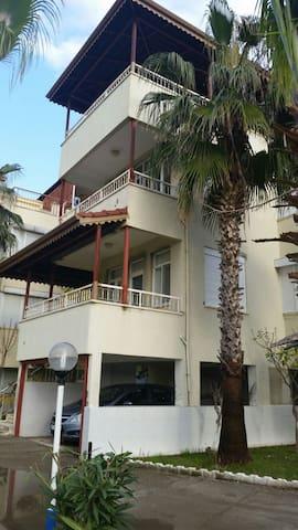 Antalya, Kizilot. Triplex villa. - Kızılot - Vila