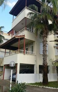 Antalya, Kizilot. Triplex villa. - Kızılot