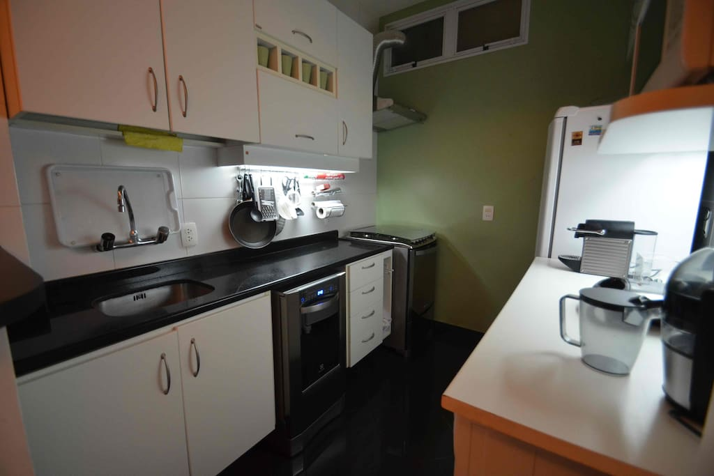Fully Equipped Kitchen including Dishwasher, Clothes Washer, Dryer, Expresso Machine, Juicer and MORE.