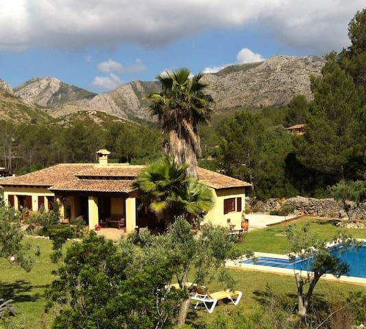 Romantic Finca with pool - Llíber - Hus