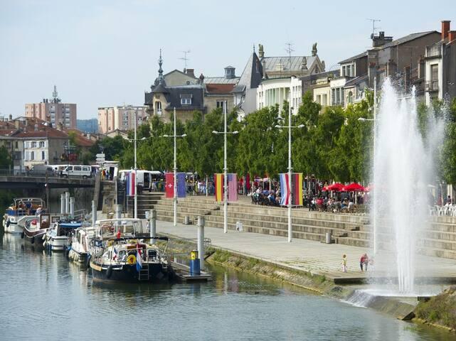 Grande maison jardin centre ville - Verdun - Dům