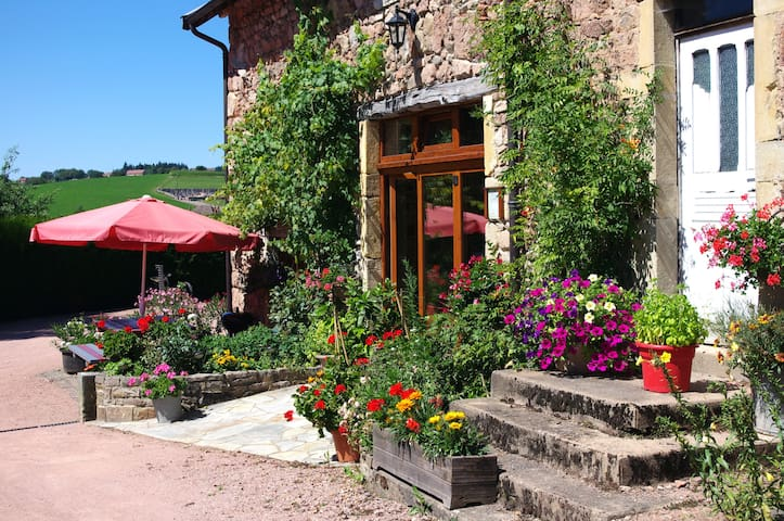 B&B in South Burgundy - family room - Châtenay - Bed & Breakfast