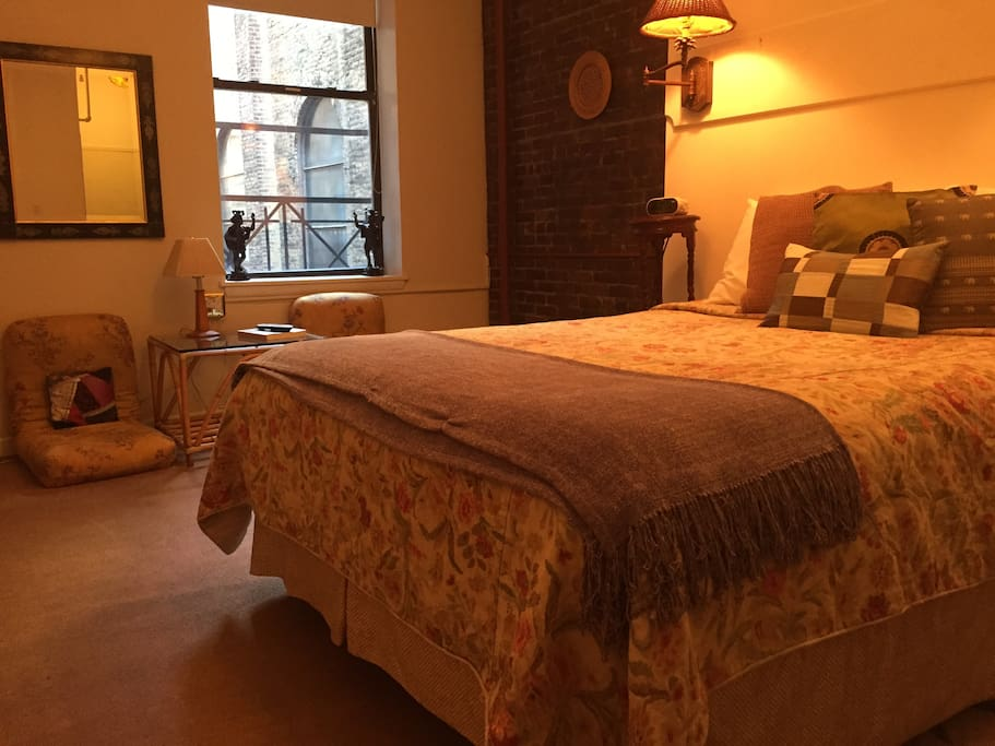 Great queen suite in ny townhouse chambres d 39 h tes for Chambre d hote new york