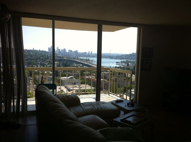 Room with Downtown Seattle Views! - Seattle - Condominium