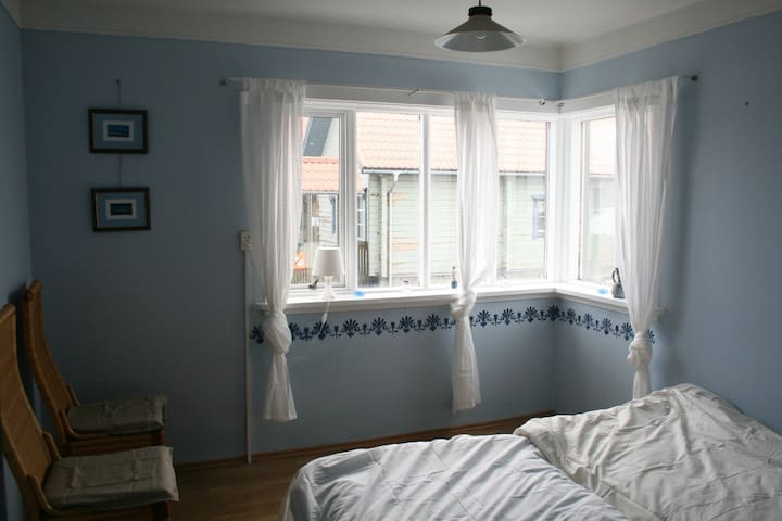 Twin bedroom in a charming village - Flateyri - 公寓