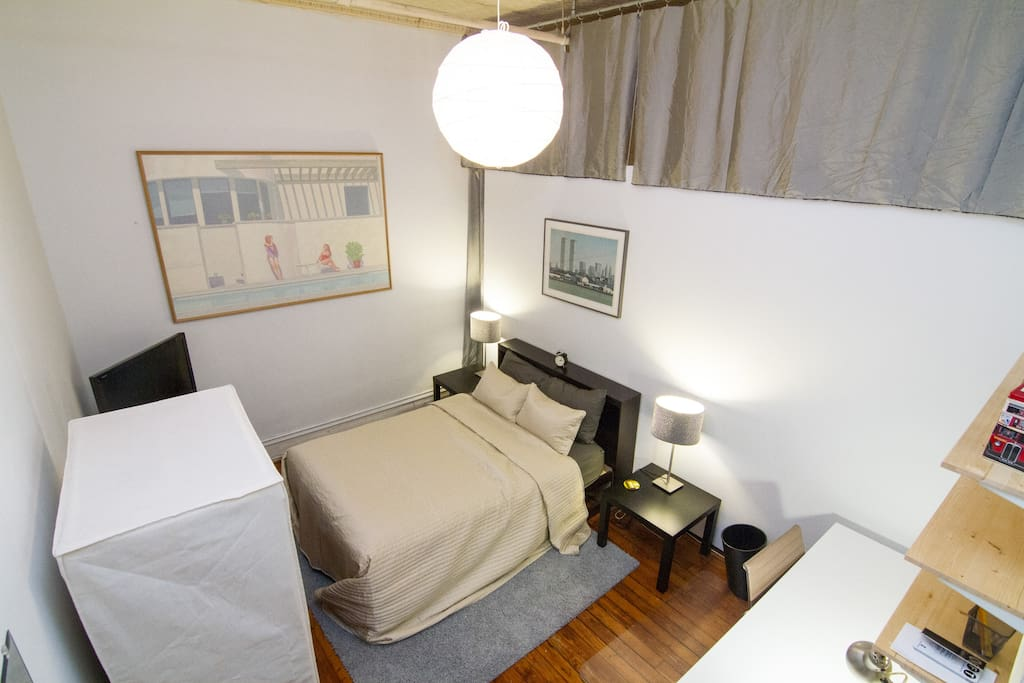 Spacious Private Bedroom in SoHo