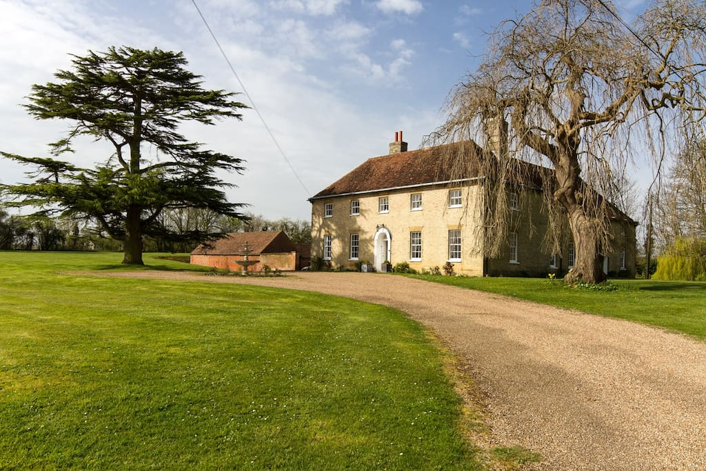 Huntingfield House