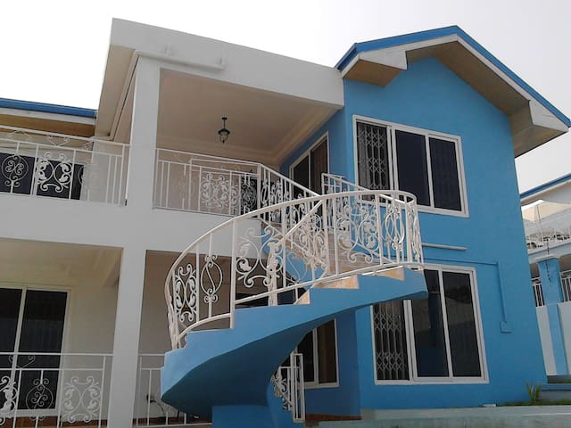 St. Clare Executive Hostel - Kokrobite/Accra - Appartement