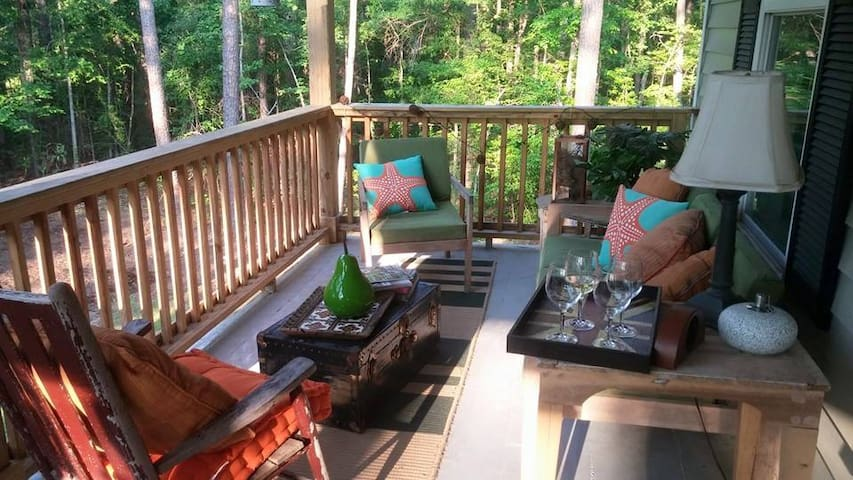 Jones Tree House - Summerville - Huis