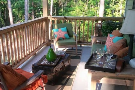Jones Tree House - Summerville - Maison