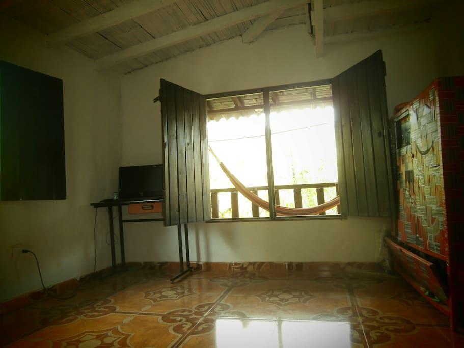 Habitacion para alquilar. Cama + escritorio.