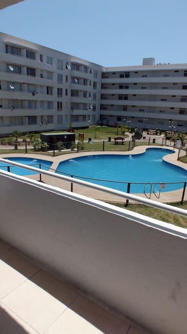 Balcón mira a la Piscina