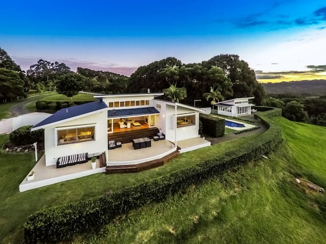 Byron's Brae - hinterland luxury - Possum Creek - House