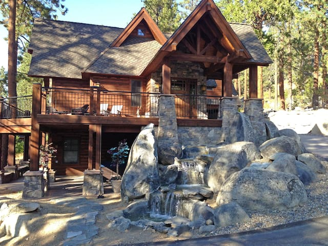 NEW! Tahoe Luxury! Reserve now for Thanksgiving!