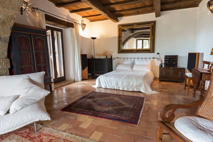 Möglicher Schlafbereich im Wohnzimmer -  Possible sleeping area in the living room