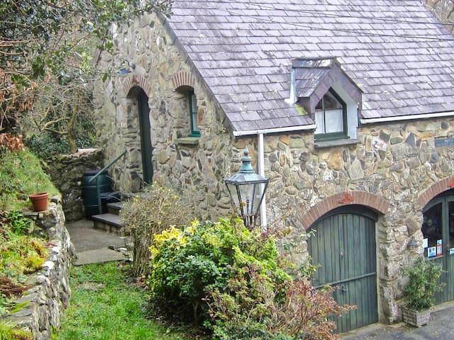 Rural Studio Apartment near Newport, Pembrokeshire