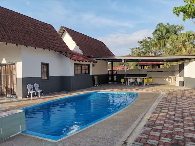 50% OFF at BESLA Homestay-5rooms @A'Famosa Resorts